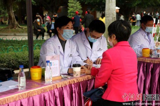 厦门南普陀寺慈善会21日举办春分养生康复专题节气义诊活动。