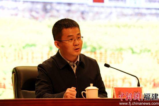 中央党史和文献研究院第七研究部副主任毛胜致辞。