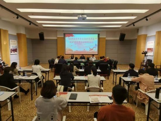 座谈会现场 东南网记者 陈楠摄