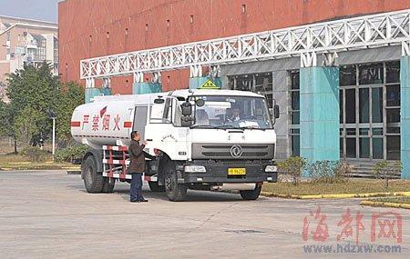 永泰闽商开价值上亿私人飞机从上海回福州过年