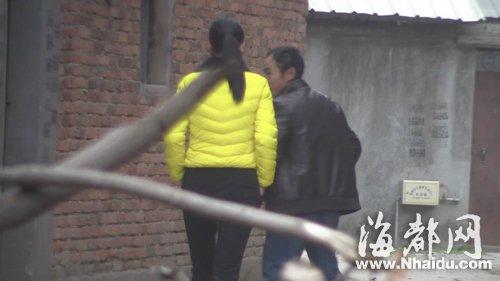 福建新闻网少妇组团来福州玩街边跳古装拉感情仙人美女图片