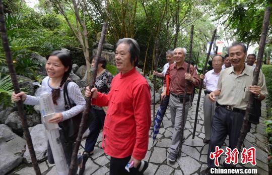 福州重阳再现传统民俗 诗赋耀佳节