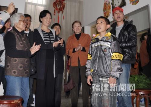 中国新闻网莆田福建SOS儿童村小朋友喜唱小学绿苑图片