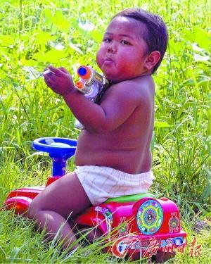 在印尼,儿童吸烟比例极高