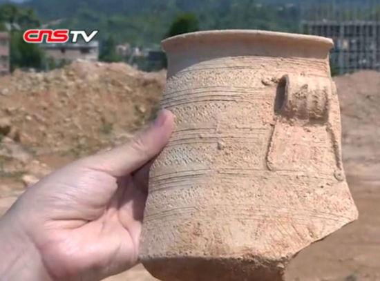 探访福建永春苦寨坑原始青瓷窑址群