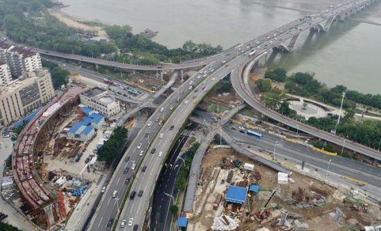 尤溪洲大桥北桥头3座天桥已完成主体建设 下月底投用