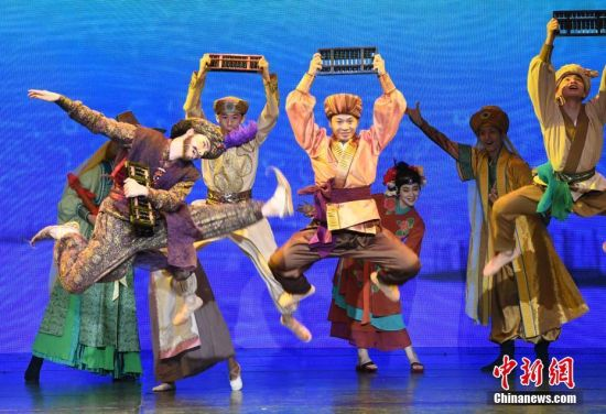 大型舞剧《丝海梦寻》在福州上演