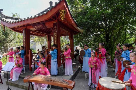 文化和自然遗产日非遗展演亮相福州南公园