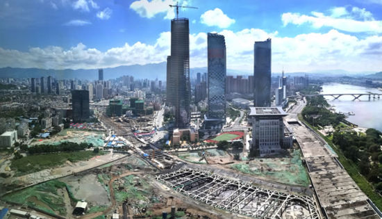 澳门真人博彩娱乐官网滨江市民广场桩基工程10月完成 将种植约2700棵大树