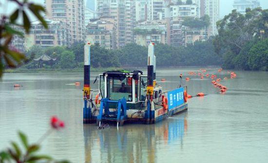 澳门真人博彩娱乐官网西湖首次带水清淤 施工游玩两不误