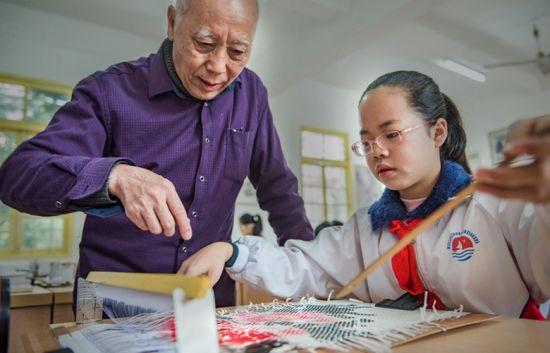 永春纸织画:千年绝技尽显朦胧美