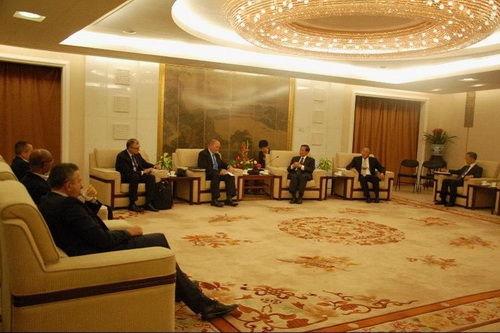 外交部副部长张业遂会见金砖国家代表商讨会晤事宜